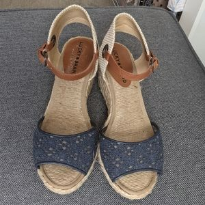 Lucky Brand blue brown Wedge sandals Size 7